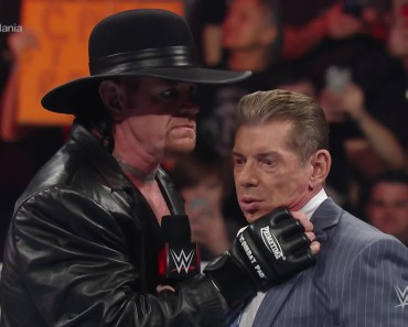 The Undertaker Returns to WWE For WrestleMania 2016
