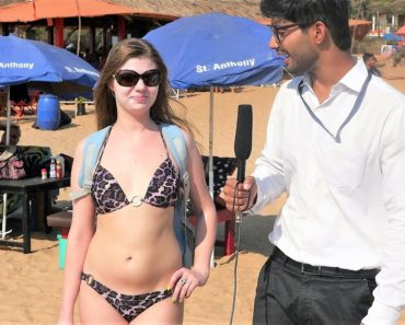 News Reporter Exposing Hot Girls on Goa Beach