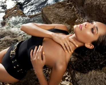 Sexiest Woman Lisa Haydon on Instagram