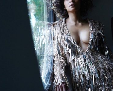 Halle Berry Hot Photo shoot