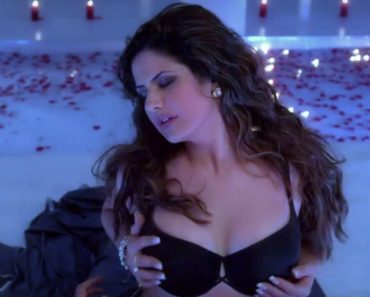 Best Boobs in Bollywood