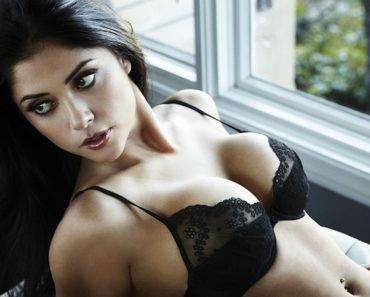 Arianny Celeste went topless and pictures gone wild