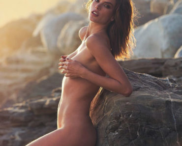 Alessandra Ambrosio Nude Pictures