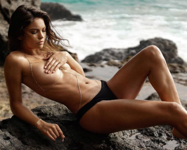 Hottest Kyra Santoro Pictures